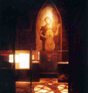 Billede fra middelalderudstilling på Hollufgård Gotisk Kirke