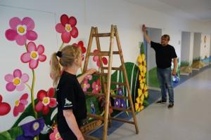 vægmaleri-udsmykning-holbæk-sygehus-børneambulatorium-Sommer-Larsen