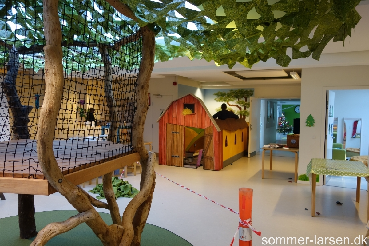 Børnehuset-Drømmebakken-Indretning-institution-legeredskaber-Sommer-Larsen-2