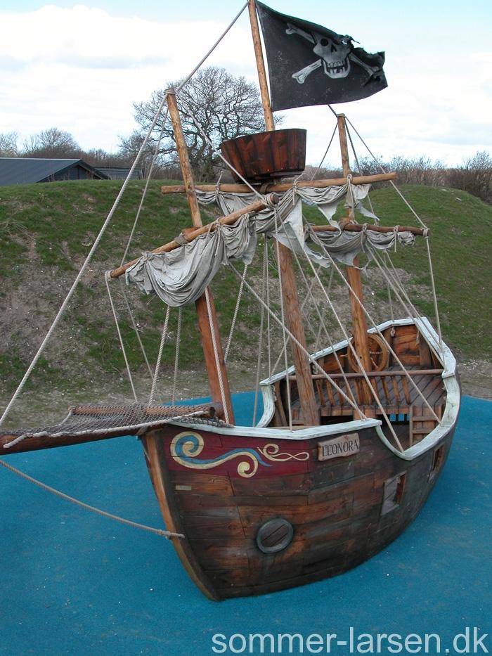 Elverhøjen-Legeplads-design-piratskib-7