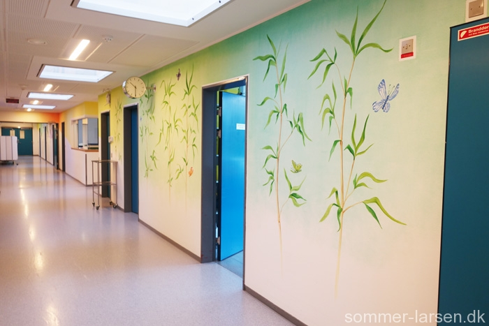 Holbæk-sygehus-operationsgang-vægmaleri-indretning-25