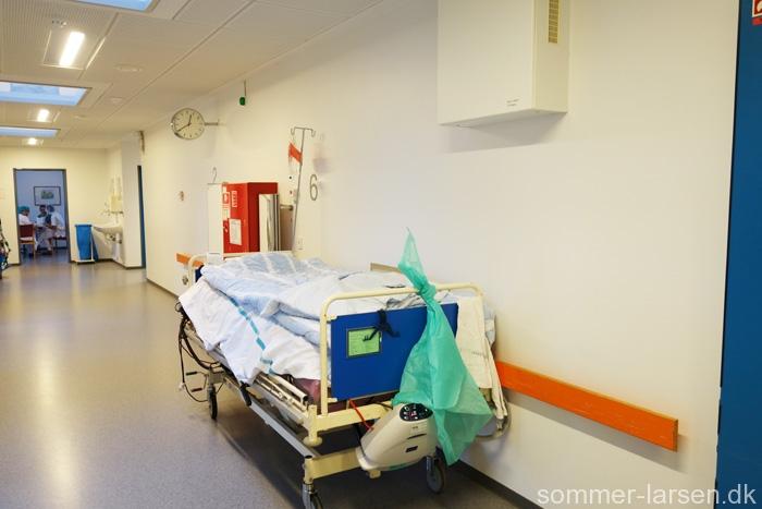 Holbæk-sygehus-operationsgang-vægmaleri-indretning-29