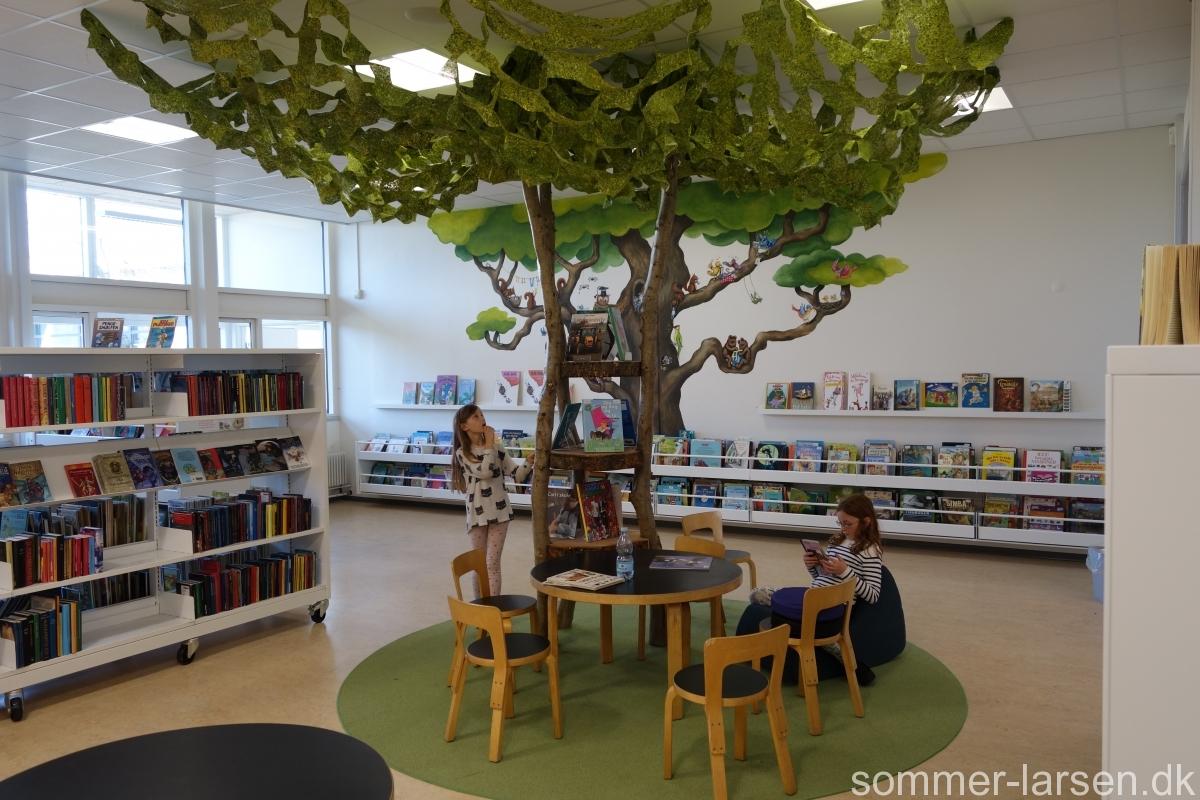 Indretning-inspiration-Bibliotek-Ullerslev-Sommer-Larsen