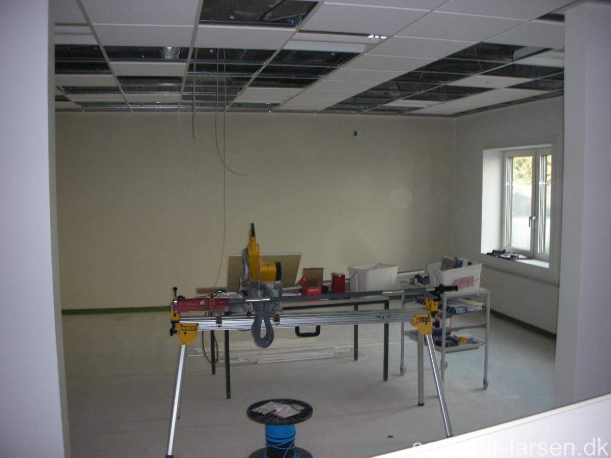 Kolding-sygehus-dekoration-vægmaleri-legeredskaber-Sommer-Larsen-14