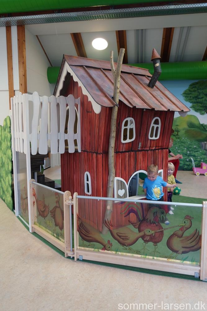 indretning-institution-børnehave-legehus-vægmaleri-13