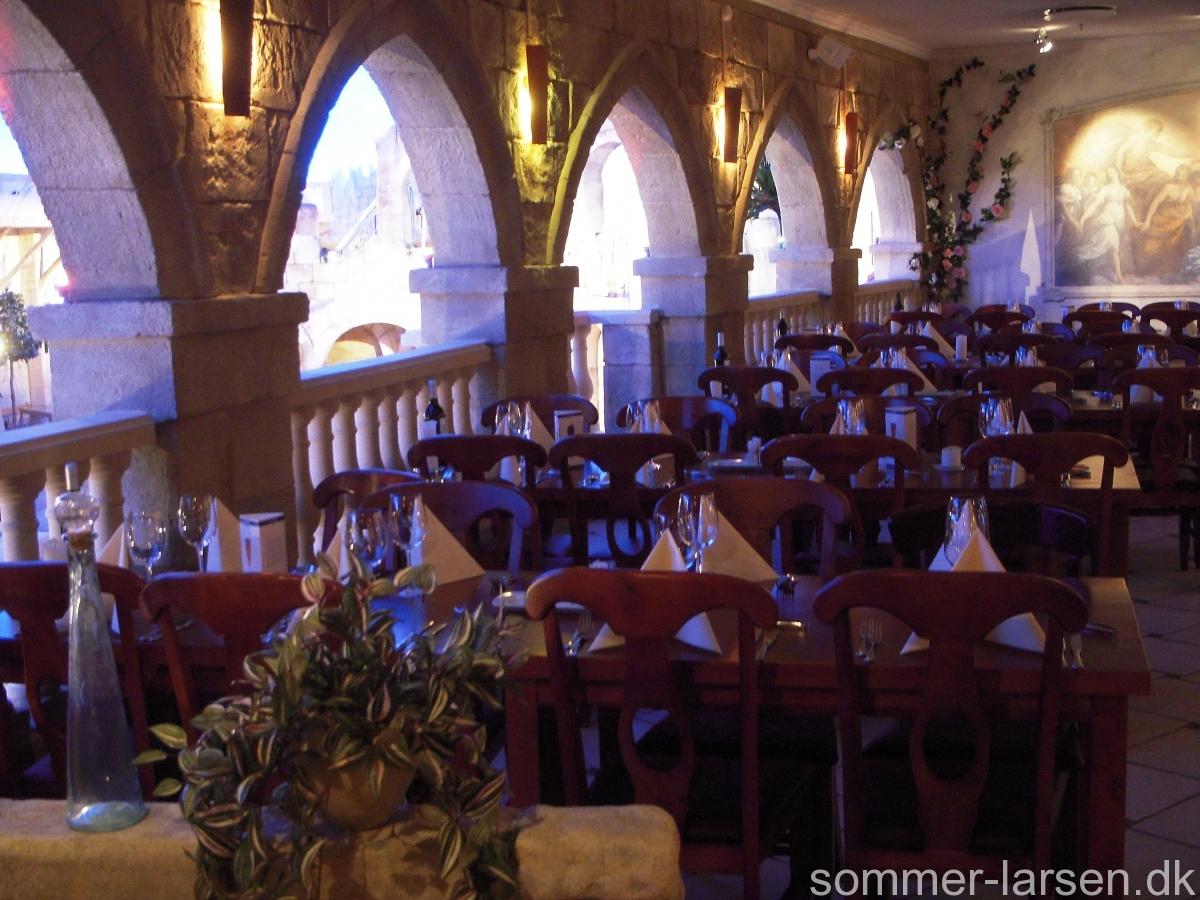 restaurant-indretning-udsmykning-Lalandia-Sommer-Larsen